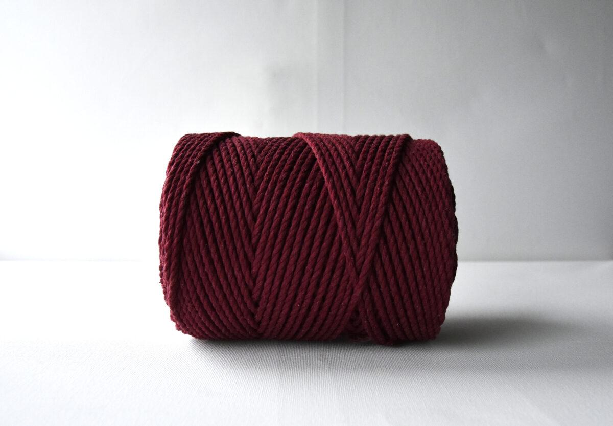 Three-ply cotton cord. Bordo